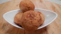 Khasta Kachori - After hours of playing Holi with your loved ones, you come back to being all hungry. To enhance your munching experiences, here's a flaky & delicious kachori recipe that you'll love. Holi Recipes, Spicy Recipes, Indian Food Recipes, Sanjeev Kapoor, Chocolate Pancakes, Chaat, Healthy Fruits, Garam Masala, Yummy Food