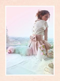 So romantic.. love the buttons and the bow!