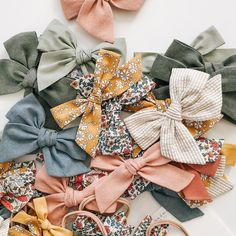 Handmade Hair Bows, Diy Hair Bows, Baby Girl Bows, Girls Bows, Bows For Sale, Diy Headband, Diy Hair Accessories, Little Girl Outfits, Diy For Kids