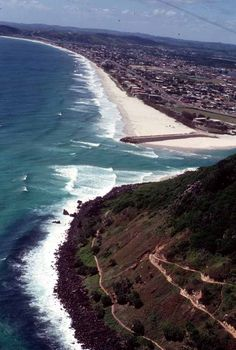 Burleigh heads inlet to tallebudgera creek, gold coast australia places i w Gold Coast Queensland, Gold Coast Australia, Canada Travel, Travel Usa, Life Quotes Travel, Birds Eye View, Australia Travel, Travel Posters, Beautiful Beaches