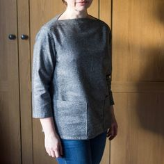 Love this fabulous top made by Grace of in our Metallic Ebony Yarn Dyed Essex Linen! Definitely a winning combination. so much so, it makes me doubly disappointed that I didn't reserve some of this fabric before we sold out! Diy Fashion, Men Sweater, Metallic, Disappointed, Sewing, Fabric, Pattern, Instagram Posts, How To Make