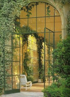 Huis: Patio-Serre-Balkon-Veranda-Tuinkamer-Kas-Oranjerie *Porch-Conservatory-Balcony-Greenhouse ~Oase van rust *Oasis of Peace~ Porches, Exterior Design, Interior And Exterior, Cafe Exterior, Bungalow Exterior, Modern Farmhouse Exterior, Exterior Paint, Outdoor Spaces, Outdoor Living