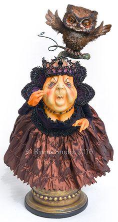 The Evil Queen by Scott Smith © Rucus Studio 2016 Halloween Arts And Crafts, Halloween Doll, Vintage Halloween, Halloween Ornaments, Halloween Table, Halloween Signs, Vintage Holiday, Halloween Halloween, Halloween Makeup