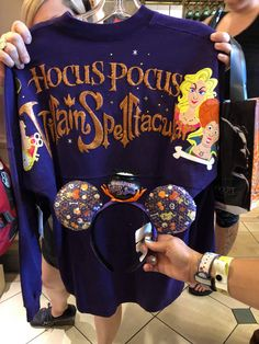 Here's a Look At The New Mickey's Not So Scary Halloween Merch Cute Disney Outfits, Disney Themed Outfits, Disney Bound Outfits, Halloween Items, Halloween Fashion, Scary Halloween, Halloween Party, Disney Dream, Disney Style