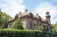 El Capricho de Gaudi en Comillas - http://diarioviajero.es/tienda/el-capricho-de-gaudi-en-comillas/