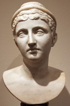 Empress Faustina the Elder;   Marble; Sk 367    Date140-160 AD