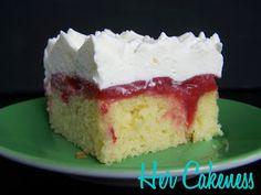 Her Cakeness: Strawberry Poke Cake from scratch // Poke Cake mit Erdbeeren