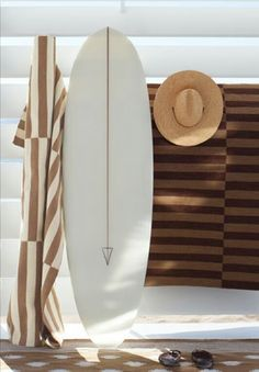 Surfboard design can look very simple to the uninitiated. To most people a board just looks like an elongated piece of fiberglass with pointy ends. Surfboards c Beach Cottage Style, Beach House Decor, Coastal Style, Coastal Living, Home Decor, Residence Senior, Beach Shack, Surf Style, Alana Blanchard