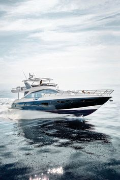 #Azimut72: #italian #beauty, carbon soul. She is everything you could ask of an Azimut.  Italian-made excellence seduces you not only with its contours and taste, but also with the innovation that puts #carbonfibre to work in achieving ultimate comfort.  http://www.azimutyachts.hk/en/azimut72.html  @AzimutYachtsHK #HongKong #Asia #ItalianBeauty