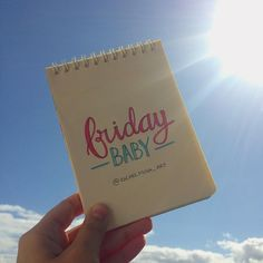 "Rachel Moya no Instagram: ""TGIF 💙🙌🏻☀️ #friday #friyay #sexta #sextou #fridaybaby #handlettering #lettering #draw #drawing #sun #sky #blue #bluesky #mood #tgif #fun…"""