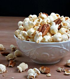 Sea Salt & Maple Butter Pecan Popcorn! lighter than you'd expect with a sweet & salty crunch that's ready in just 20 minutes :)