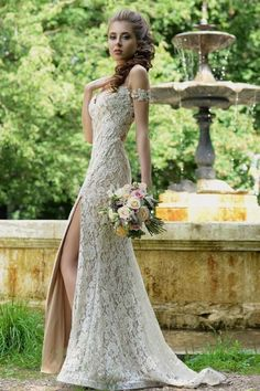2016 Backless Full Lace Wedding Dresses Off Shoulder Illusion Bodice Thigh High Slit Champagne Lining Plus Size Garden Beach Bridal Gown