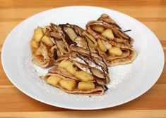 Jablkové palacinky - recept postup 7 Pickles, Cucumber, Pancakes, Breakfast, Food, Morning Coffee, Essen, Pancake, Meals