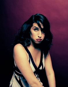 Amy Winehouse Photos: Unseen Portraits & Memories of Late Icon by Phil Knott | Billboard
