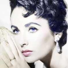 Elizabeth Taylor ~ I finally see her violet eyes!
