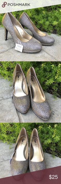 NWT Fioni Gold & Silver Iridescent Heals 9 1/2 NWT Fioni Gold & Silver Iridescent Heals 9 1/2 super cute for prom! Fioni Shoes Heels