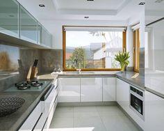 Praktyczny 3 - wizualizacja 6 - Projekty małych nowoczesnych domów Bedroom Furniture Design, Bathroom Interior Design, Kitchen Furniture, Kitchen Interior, Kitchen Ceiling Design, Kitchen Room Design, Dining Room Design, Small Modern Kitchens, Beautiful Kitchens
