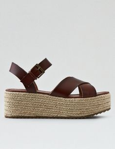 Shop American Eagle Outfitters for men's and women's jeans, T's, shoes and more.All styles are available in additional sizes only at ae.com.