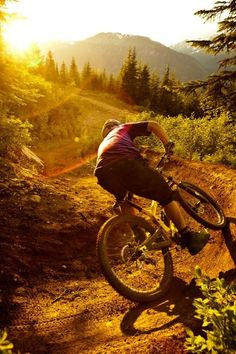 As a beginner mountain cyclist, it is quite natural for you to get a bit overloaded with all the mtb devices that you see in a bike shop or shop. There are numerous types of mountain bike accessori… Downhill Bike, Mtb Bike, Road Cycling, Cycling Bikes, Road Bikes, Mountain Biking, Mtb Enduro, Montain Bike, Mtb Trails