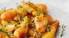 Tuplapaahdetut uunipuikulat - Yhteishyvä Mushroom Rice, Jamie Oliver, Rice Dishes, Christmas Treats, Cantaloupe, Shrimp, Stuffed Mushrooms, Food And Drink, Meat