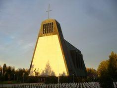 Finse Oorlogsgraven Kauhajoki Grave Monuments, Kirchen, Helsinki, Empire State Building, Finland, Worship, Cathedral, Fair Grounds, Graveyards