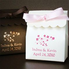 hese personalized Stardream scalloped favor bags are both elegant and modern! A charming packaging choice for a wedding, bridal shower, baby shower or any other event where shimmering bags are a must! Choose from one of our designs and add your custom text to create a favor bag that is truly personal and unique!