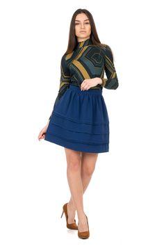 Niebieska marszczona spódnica z zakładkami