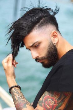 Side Swept Undercuts ❤️ Mens hairstyles have a greater role than you may think. The style you wear tells a lot about your personality, think carefully before picking one! ❤️ Source by transpolarsense Outfits mens Beard Styles For Men, Hair And Beard Styles, Short Hair Styles, Side Swept Hairstyles, Undercut Hairstyles, Trendy Mens Hairstyles, Cool Hairstyles, Wedding Hairstyles, Hairstyles Pictures
