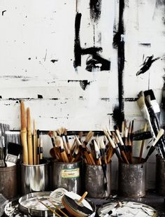 A few weeks ago I went to visit an old friend in his amazing studio space and once again became obsessed with someday having an atelier to . Art Atelier, Atelier Creation, Benny And Joon, Fotojournalismus, Dream Studio, Paint Brushes, Art Studios, Oeuvre D'art, Art Photography
