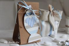 : Qualche suggerimento per una bomboniera First Communion Cards, First Holy Communion, Christening Favors, Baby Baptism, Baby Shower Deco, Baby Shower Parties, Candy Party, Party Favors, Bomboniere Ideas