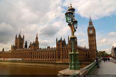 Big Ben et le parlement vus depuis le pont de Westminster - Londres, Grande Bretagne