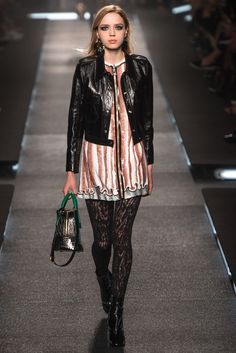 Louis Vuitton - Spring 2015 Ready-to-Wear - Look 29 of 49