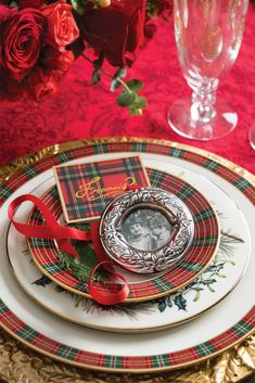 Victoria's sumptuous November/December issue is the ultimate companion for holiday bliss. Christmas Dinner Set, Tartan Christmas, Twelve Days Of Christmas, Merry Little Christmas, Green Christmas, Country Christmas, All Things Christmas, Christmas Holidays, Christmas Table Settings