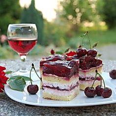 13 meggyes édesség, ami még a legelszántabb diétázót is elcsábítja! Tiramisu, Panna Cotta, Raspberry, Bacon, Bakery, Cheesecake, Food And Drink, Cooking Recipes, Pudding