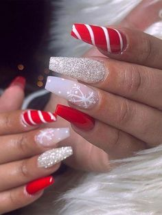 Nice red, candy cane and glitter christmas nails! # Christmas nails # Related posts: The cutest and festive Christmas nail designs to … Chistmas Nails, Cute Christmas Nails, Christmas Nail Art Designs, Xmas Nails, Holiday Nails, Christmas Acrylic Nails, Christmas Glitter, Winter Acrylic Nails, Halloween Acrylic Nails