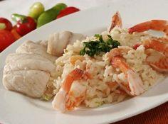 Hmmm.... frutos do mar muito bem acompanhados com arroz de coco! Quer fazer? Vem ver a receita