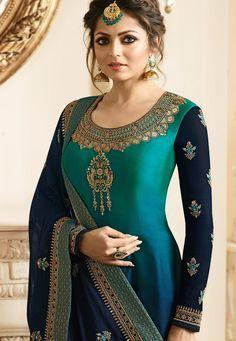 Blue and Green Churidar Suit is Dual Shaded Drashti Dhami Churidar Suit worn by Drashti Dhami with Zari and Resham Work Embroidery. Kurti Designs Party Wear, Kurti Neck Designs, Dress Neck Designs, Blouse Designs, Anarkali Dress, Pakistani Dresses, Indian Dresses, Indian Outfits, Pakistani Clothing