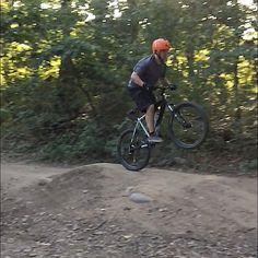 RG jesse_leibowitz: Another action shot #mtb #mountainbiking #vsco http://instagr.am/p/71pKr2BXVt