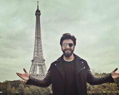 Ranveer Singh's Paris photos from the Befikre trailer launch will give you itchy feet! Bollywood Stars, Bollywood News, Ranveer Singh Beard, Good Poses, Paris Photos, Gentleman Style, Deepika Padukone, Product Launch, Photoshoot
