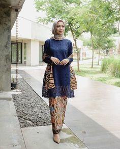 Image may contain: 1 person, standing and outdoor Kebaya Muslim, Kebaya Modern Hijab, Model Kebaya Modern, Kebaya Hijab, Kebaya Brokat, Kebaya Dress, Model Baju Hijab, Mode Batik, Kebaya Wedding