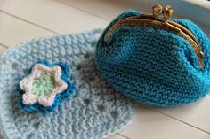 Monedero a ganchillo azul turquesa