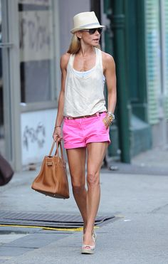 e2a54ab3da2 kelly ripa -- love the hot pink shorts DS  navy, black or black and white  top
