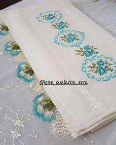 Ara ara uğrarım demistim dimi Hand Embroidery Stitches, Crewel Embroidery, Vintage Embroidery, Cross Stitch Embroidery, Embroidery Patterns, Cross Stitch Geometric, Chrochet, Silk Painting, Needlepoint