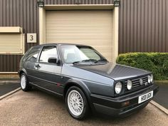 I think this Golf Gti 1990 is really awesome since my brother had one while I was just a little boy. His Golf was looking just like that, with the exact same color. Vw Mk4, Volkswagen Golf Mk1, Engine Swap, Car Engine, Gti Car, Golf Mk2, Vw Cars, Cool Cars, Dream Cars