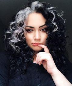Hairstyles For Girls Videos Tomboy - Hairstyles White Streak In Hair, Dark Hair, Grey Hair, Hairstyle For Girls Video, Hair Color Streaks, Blonde Streaks, Aesthetic Hair, Dye My Hair, Grunge Hair