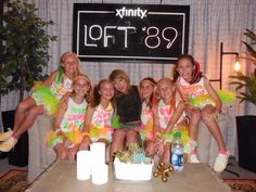 Taylor with more fans last night in Loft 89! (