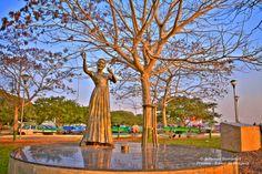 A estátua de Elis Regina em Porto Alegre #POA #ElisRegina