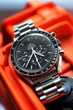 Check out the best Omega Watches of All Time! Big Watches, Best Watches For Men, Luxury Watches For Men, Cool Watches, Rolex Watches, Men's Accessories, Omega Speedmaster Moonwatch, Omega Seamaster, Speedmaster Professional