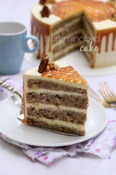 Hummingbird cake merupakan kek yang cukup popular di US. Kek yang cukup di minati dan cukup mudah cara penyediannya.  Kek ini di katakan ...