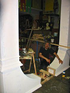 """Scenografia teatrale per la commedia, """"L'orso"""" di Anton Čechov. (Part. arco veranda). Work in progress. www.mariobresciani-marbreart.com — presso MARBRE ART."""